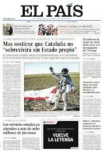 """Photo: Mas sostiene que Cataluña no """"sobrevivirá sin Estado propio"""", los servicios sociales ya atienden a más de ocho millones de personas y el Gobierno de Aznar no envió datos clave a la investigación del 'Prestige'. http://srv00.epimg.net/pdf/elpais/1aPagina/2012/10/ep-20121015.pdf"""