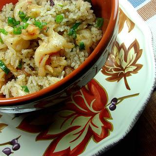 Arroz al Ajillo con Camarones (Garlic Rice With Shrimp).