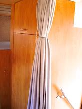 Photo: Kleiderschrank und Einstieg