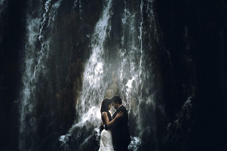 Wedding photographer Valery Garnica (focusmilebodas2). Photo of 19.06.2019