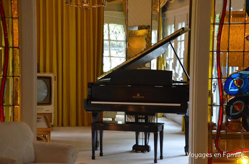Elvis living room