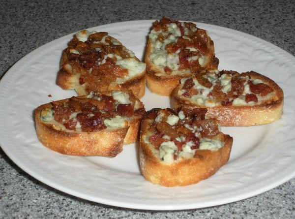 Balsamic Goat Cheese Bruschetta Recipe
