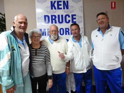 Anne Prosser, formerly Anne Druce, wife of the late Ken Druce in whose memory the event is held, second from the right, with Narrabri team Sam Kelly, Ian MacMillan, Scott Dewar and Jason Duff who finished second in section one.