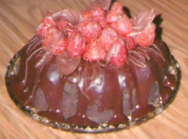 Chocolate Decadence Cake W/berries Recipe
