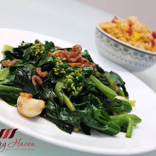 Chinese Stir-fry Kale with Oyster Sauce and Dried Shrimps.