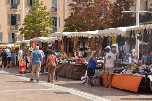 DSC_0700.jpg - Out door Flea markets in Downtown area of Toulon