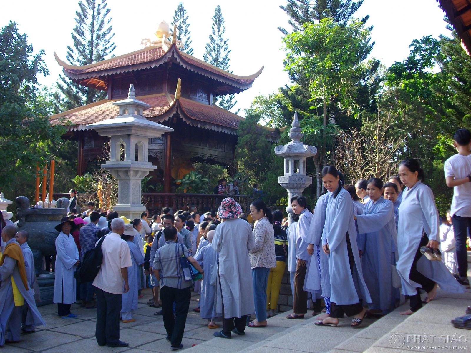 Tại sao nên đến Thiền Viện Thường Chiếu?