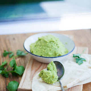 Easy Homemade Hummus – Herb Version