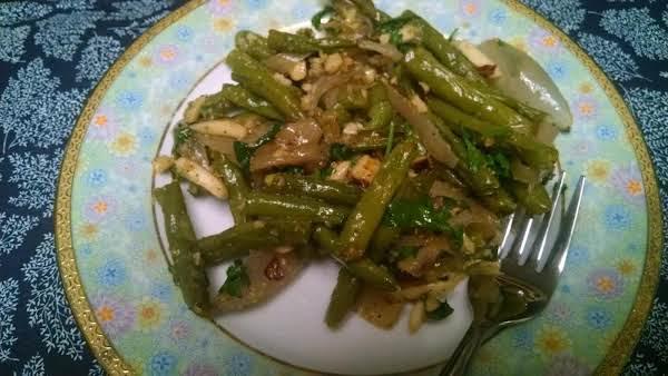 Garlic-roasted Green Beans & Shallots W/hazelnuts
