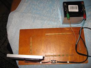 Photo: l'alimentation est une batterie déclassée de 12V, au plomb dommage que je n'ai pas pu remettre en service une batterie de portable ( ordinateur ) cela eut été plus léger et plus petit.