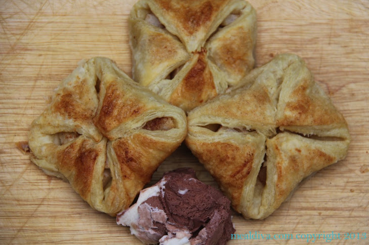 Puff Pastry Filled Fall-Fruit Pockets Recipe