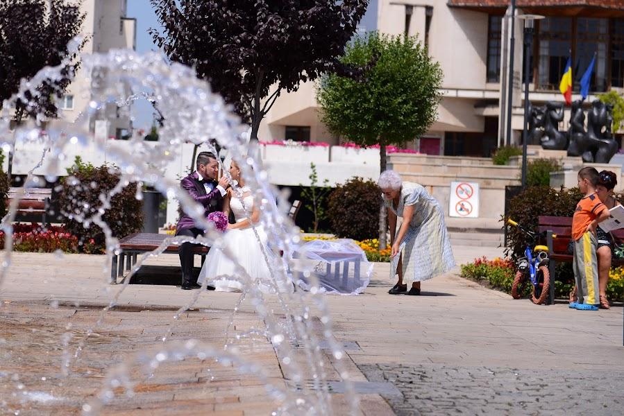 Wedding photographer Vlad Axente (vladaxente). Photo of 19.04.2017