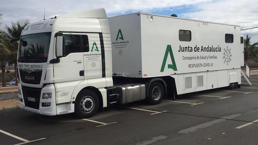 La unidad móvil para la realización de cribados poblacionales llegó este lunes a Arboleas.