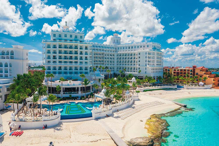 A look at the five-star RIU Palace Las Americas in Cancun. (Click to enlarge.)