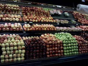 Photo: So many apples to choose from, we ended up getting the red apples, my daughters like to snack on them.