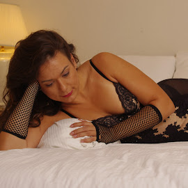 Anna by Sean Williams - Nudes & Boudoir Boudoir ( look, lingerie, woman, anna, gloves, heels, boudior )