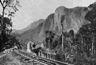 Photo: Estrada de Ferro Leopoldina Railway. A viagem devia ser muito agradável, pois a vista é magnífica. Foto do final do século XIX