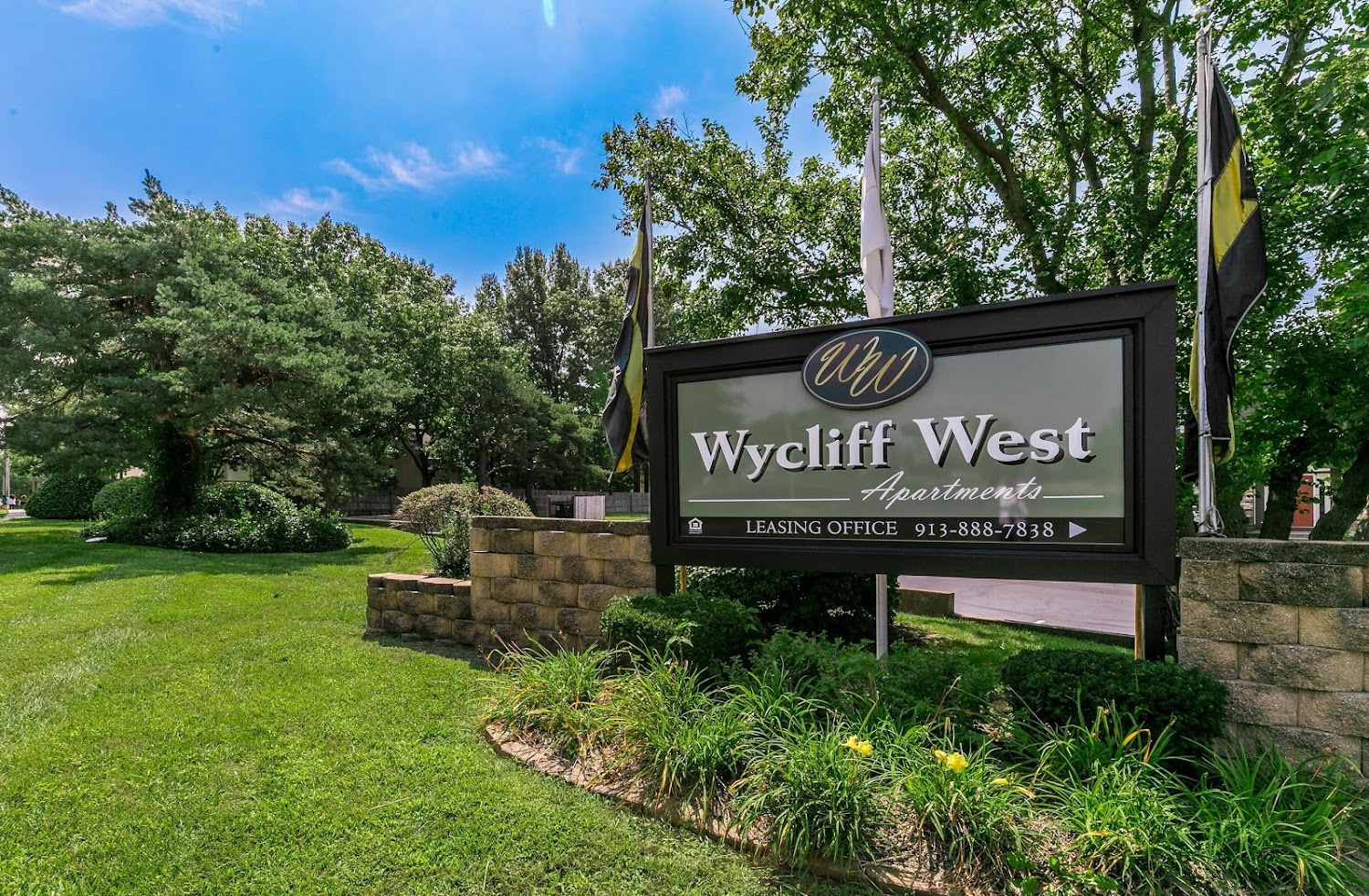 Wycliff Apartments Overland Park