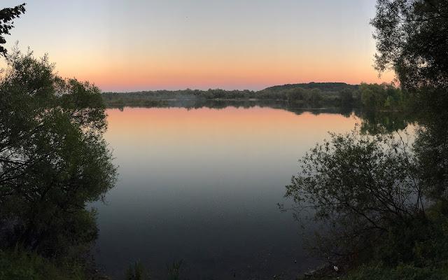Lake at sunset di eva_tattoli