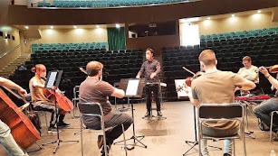 Igor Verbitsky ofreció una clase magistral de Dirección de Orquesta en la que participaron unos 20 alumnos de la provincia.