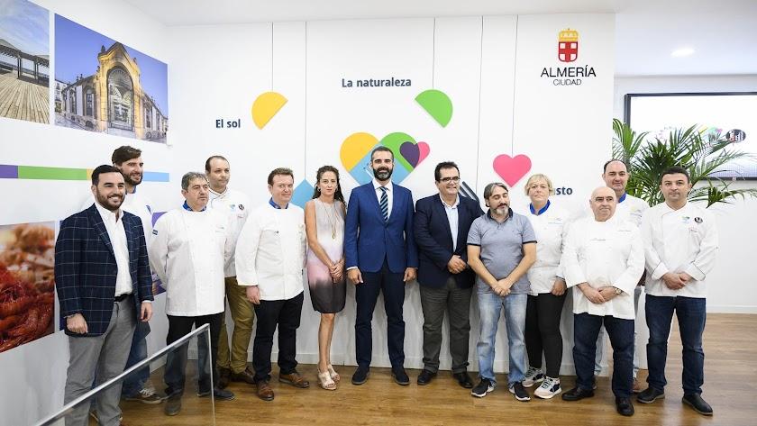 Foto de familia de la presentación de la X Asamblea Autonómica de Euro-Toques