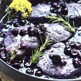 10 Minute Blueberry Pork Chops Recipe
