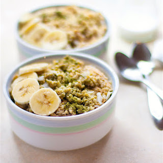 Coconut Matcha Green Tea Oatmeal {Gluten Free, Vegan}