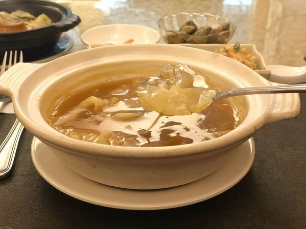台北。行天宮站美食 龍鮑翅。頂級的龍蝦、鮑魚、魚翅。人生最奢華的一餐!!