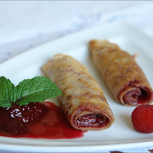 Crepes of Arbutus with Red Sauce