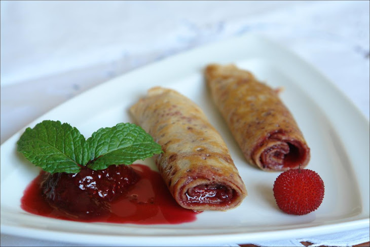 Crepes of Arbutus with Red Sauce Recipe