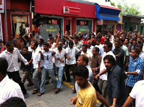Photo: A peaceful march in Male' after MDP Haruge was re-opened