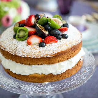 Sponge Cake With Fruit And Cream Recipes.