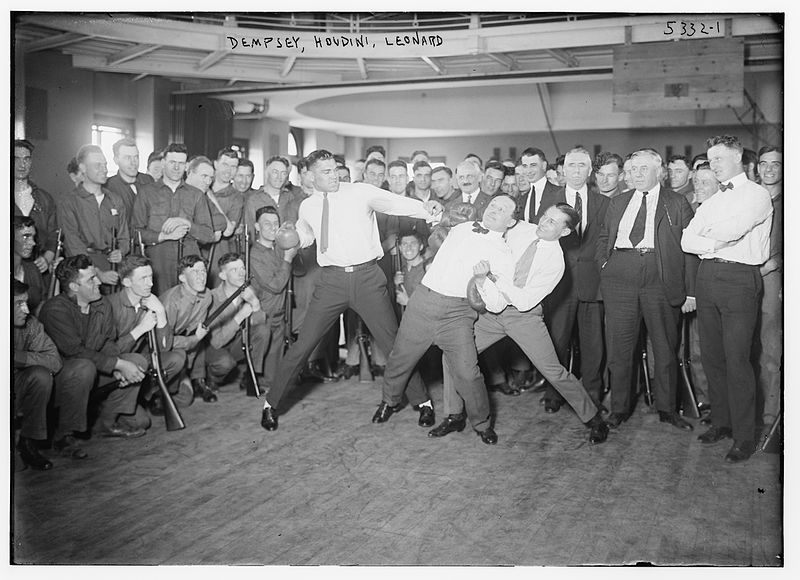 800px-Jack_Dempsey,_Harry_Houdini_and_Benny_Leonard.jpg