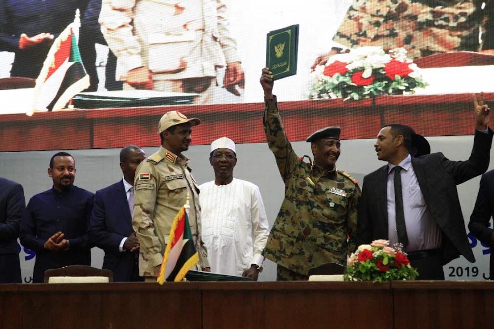 Soedan-generaals, protesleiers onderteken 'n oorgangskontrak