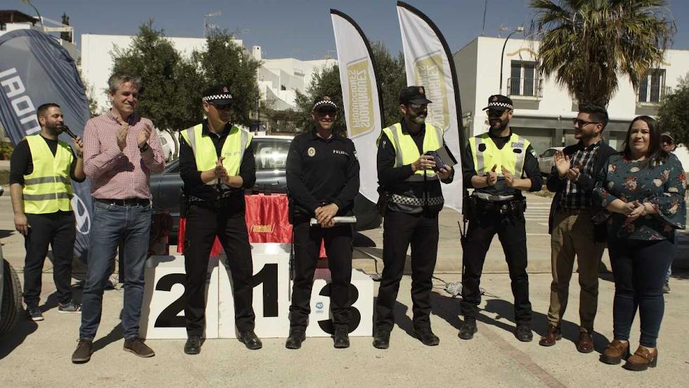 Policía Local con el concejal Sergio Vicente.