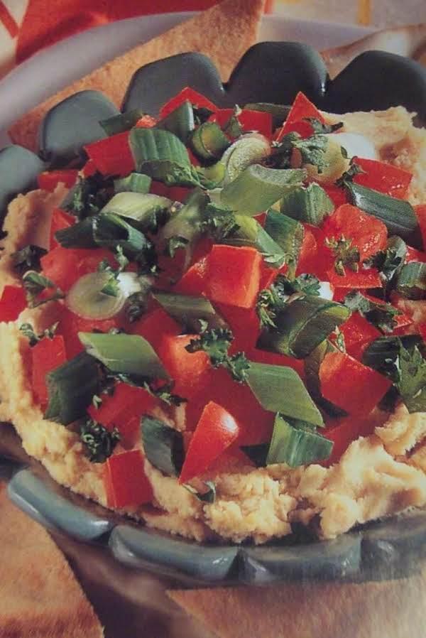 .vegatable-topped Hummus..appetizer