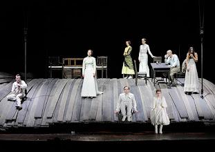 Photo: WIEN/ Burgtheater: WASSA SCHELESNOWA von Maxim Gorki. Premiere22.10.2015. Inszenierung: Andreas Kriegenburg. Ensemble. Copyright: Barbara Zeininger