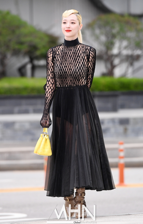sulli seethrough dress 9
