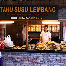 Tahu Susu Lembang by Mulawardi Sutanto - People Street & Candids ( lembang, tahu susu, west java, travel, indonesia, bandung )