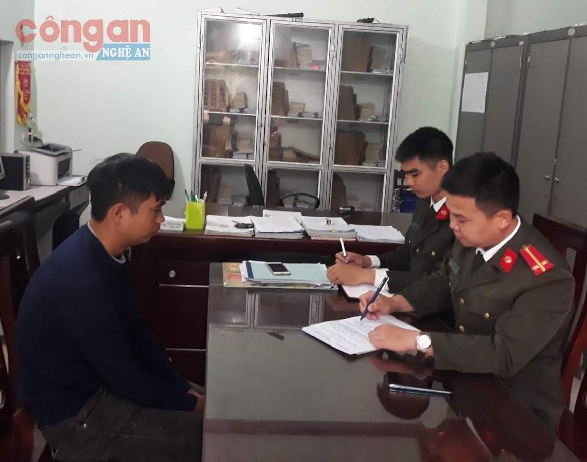 Công an Thanh Chương làm việc với Trần Văn Hoài