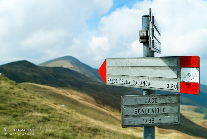 Photo: Alto Appennino Modenese, cartello segnaletico sul crinale 00.