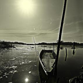 Benanga by Havidz Zhurrahman - Landscapes Travel ( east borneo, samarinda, b&w, benanga, danau, landscape )