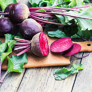 Fresh Green Salad with Roasted Beets
