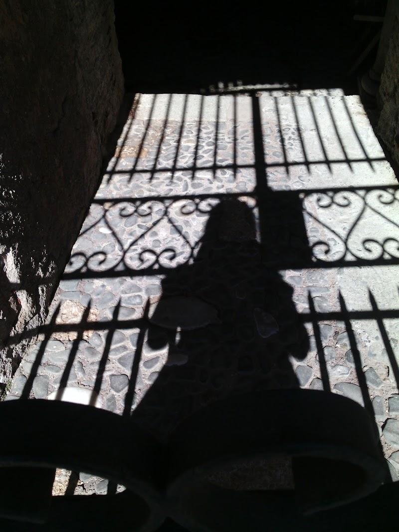 prigionieri di noi stessi. di fiorella_simonicca