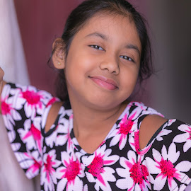 Charvi  by Narendra Mogilipuri - Babies & Children Child Portraits ( weekend photography canon dubai )