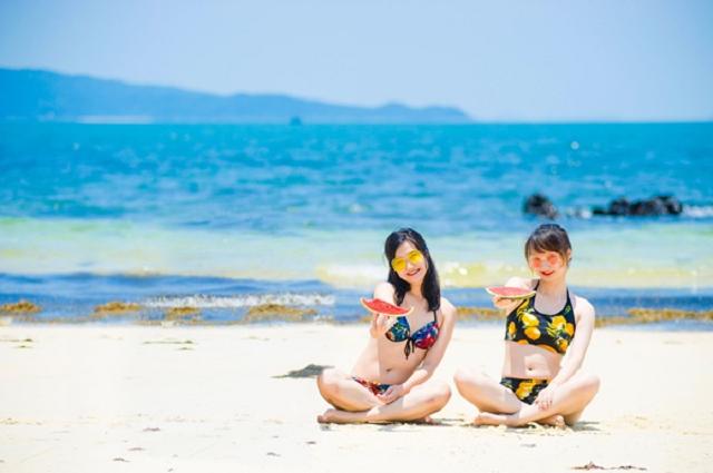 Tắm biển Cô Tô