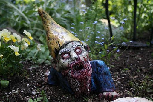 Veja esses gnomos de jardim zumbis que certamente assustarão seus vizinhos e transgressores