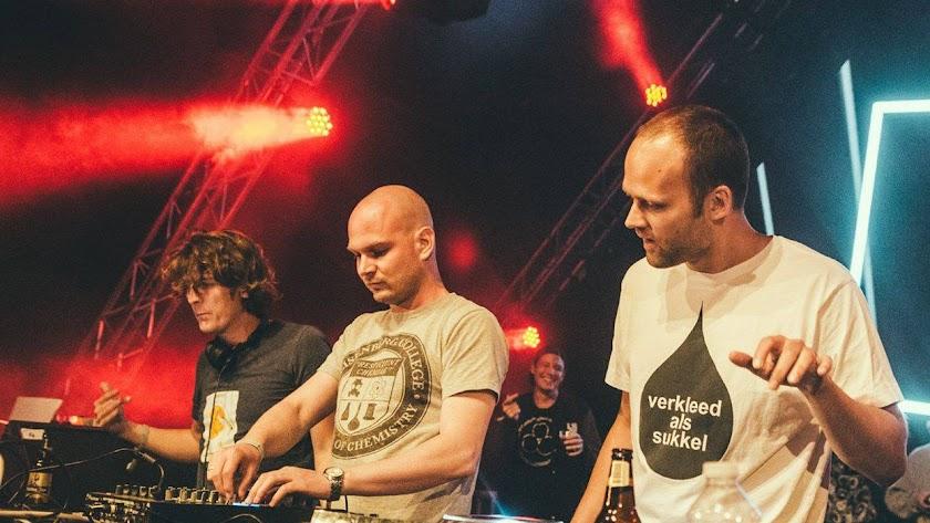 Noisia, El legendario trío holandés de Drum & Bass, que hace un mes desveló su disolución en 2020.