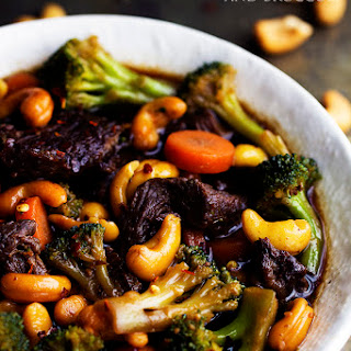 Slow Cooker Cashew Beef and Broccoli Stir Fry