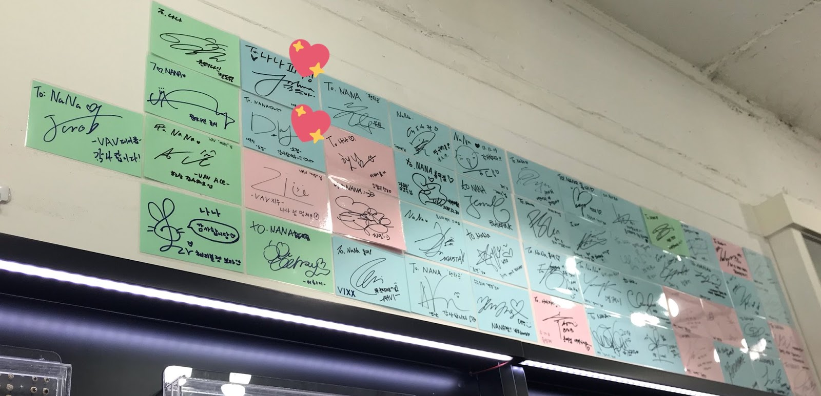 MONSTA X, SEVENTEEN, BLACKPINK Signatures